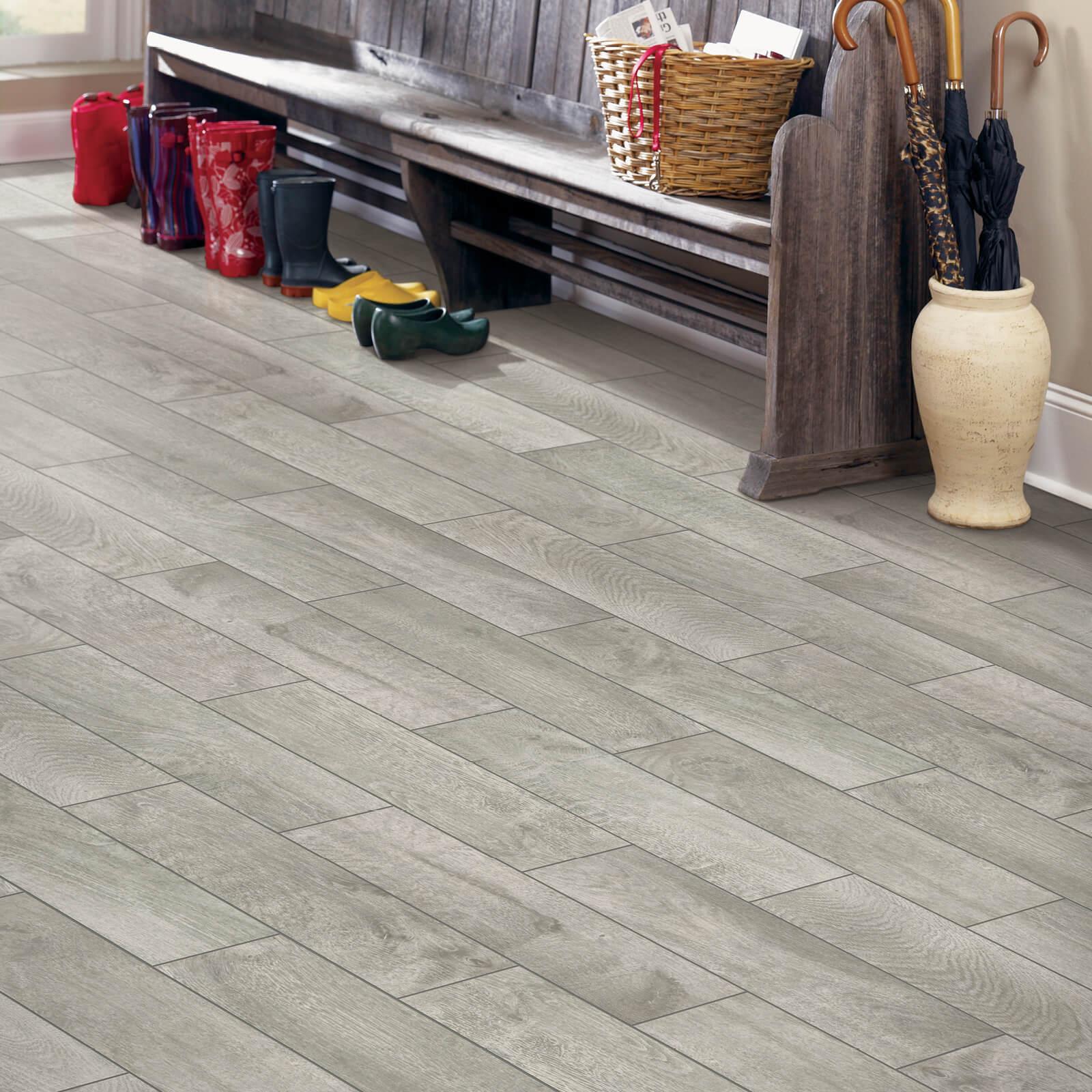 Tile Entryway   Haley's Flooring & Interiors
