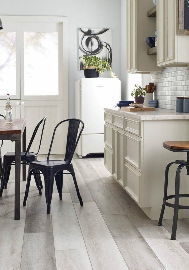Vinyl Floors in Kitchen   Haley's Flooring & Interiors